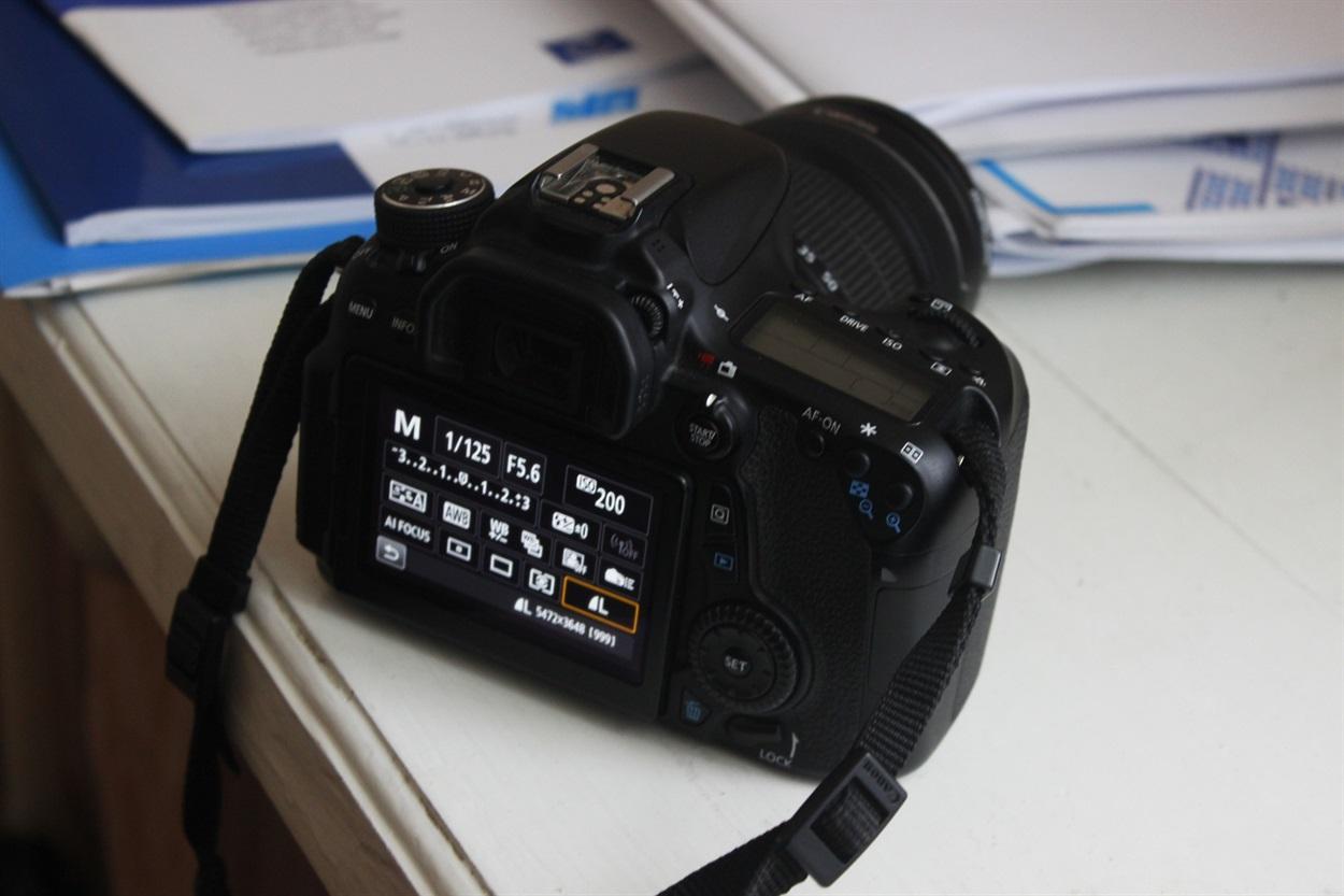 при ручном режиме без вспышки черная фотография этих