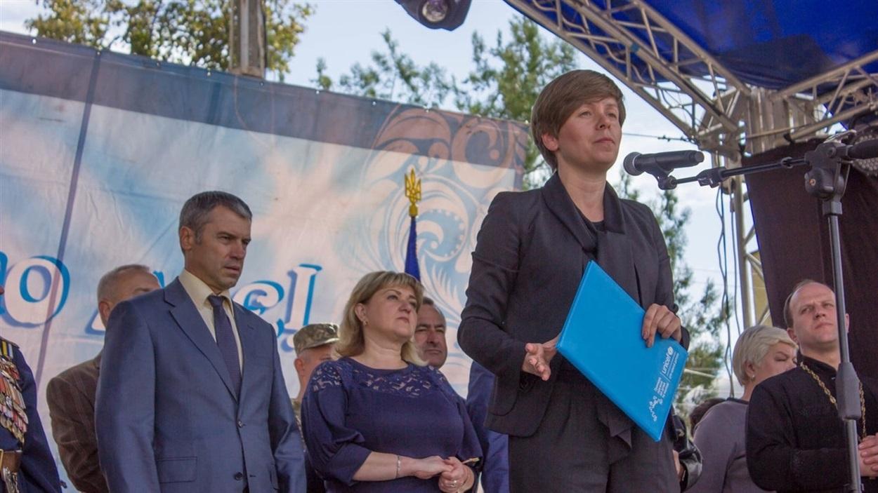 керівник проектів соціальної політики ЮНІСЕФ в Україні Наталія Бородчук під час підписання Меморандуму з першим містом Півдня України - Біляївською ОТГ