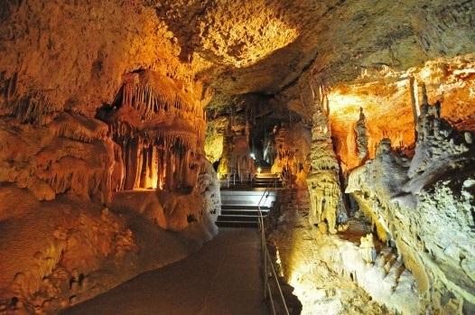 Гіпсова печера