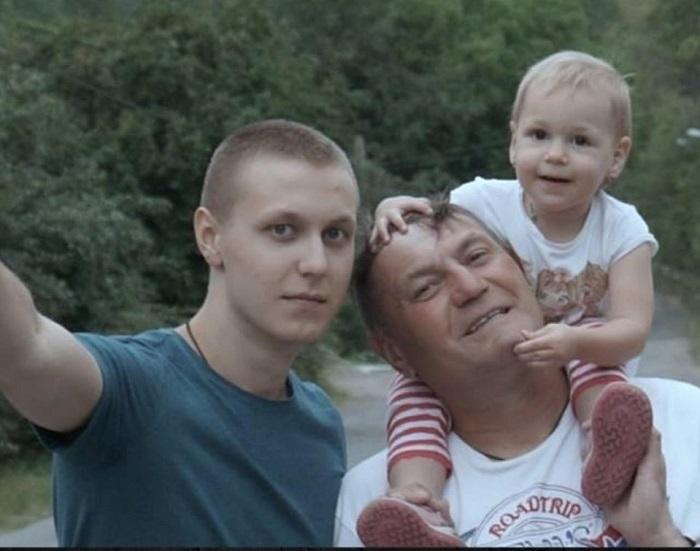 Родина Васюків (у неповному складі)