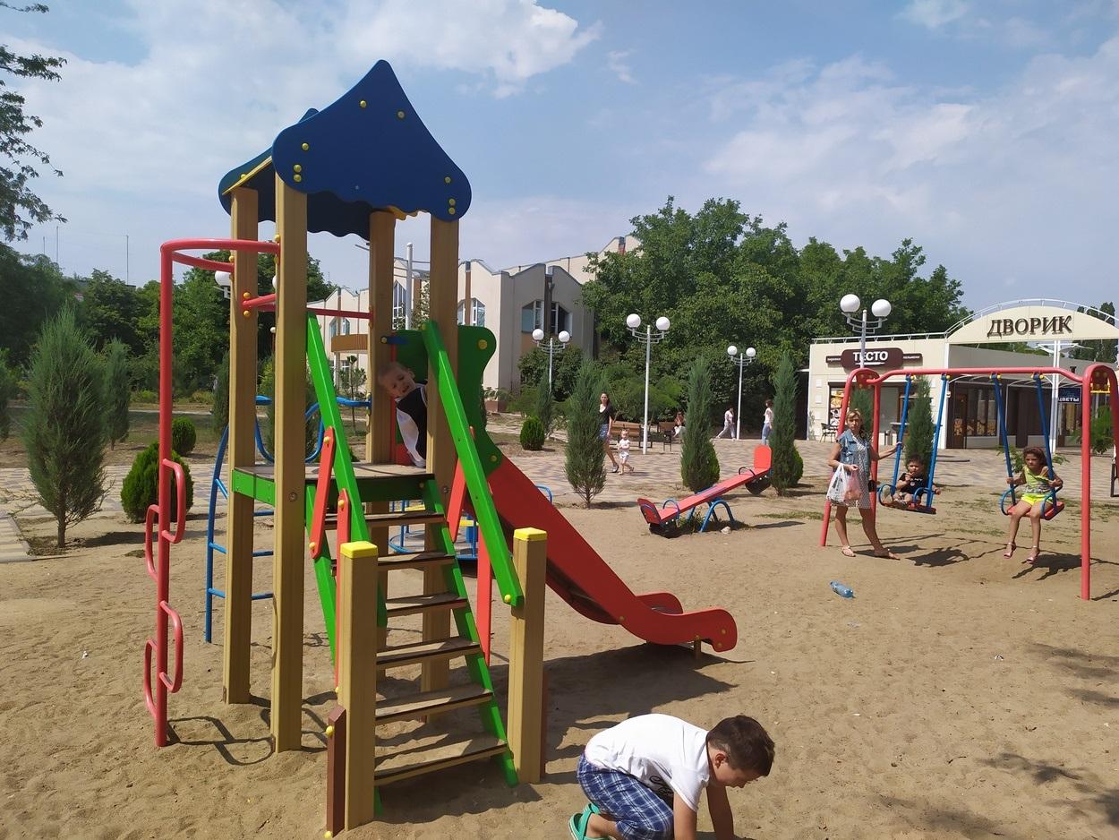 """Детская площадка возле """"Торгового дворика"""" на проспекте Мира будет расширяться"""