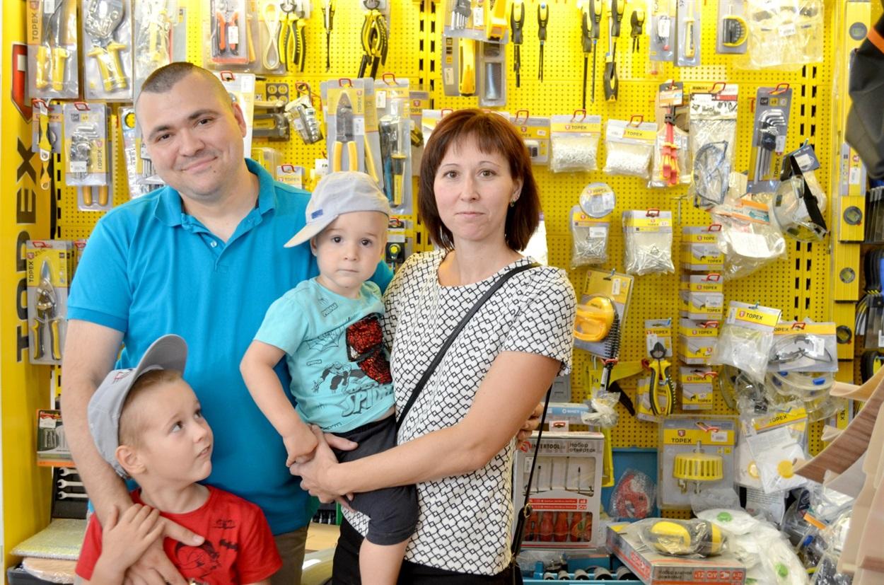 Родина Сухорукових