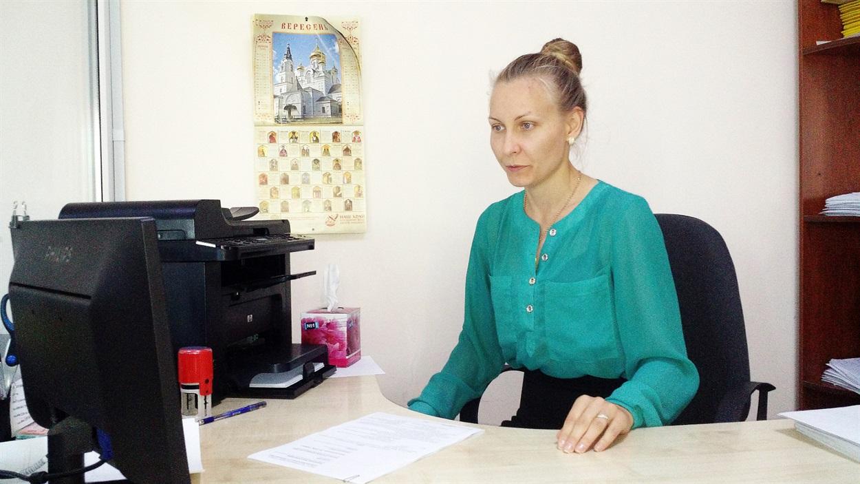 Адміністратор послуг у сфері земельних відносин Галина Проніна