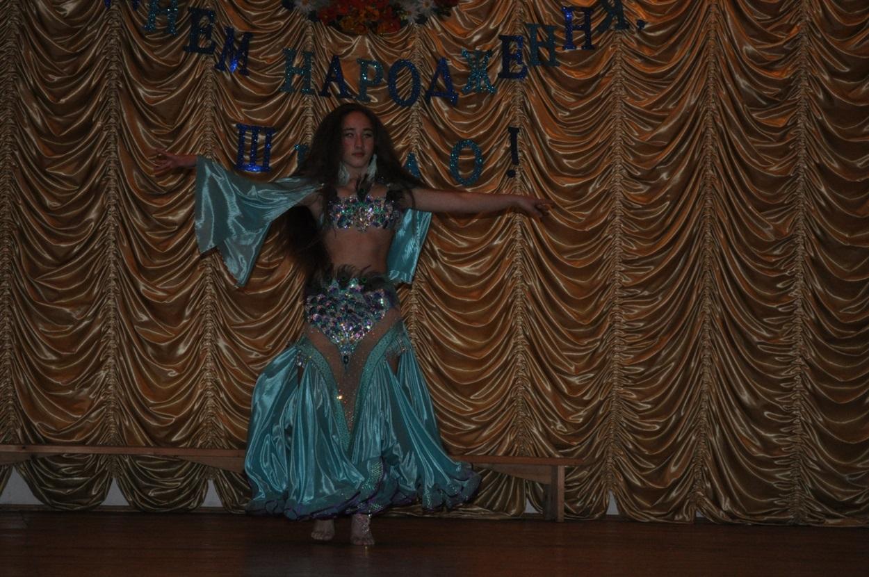 Яна Атаман, східний танець