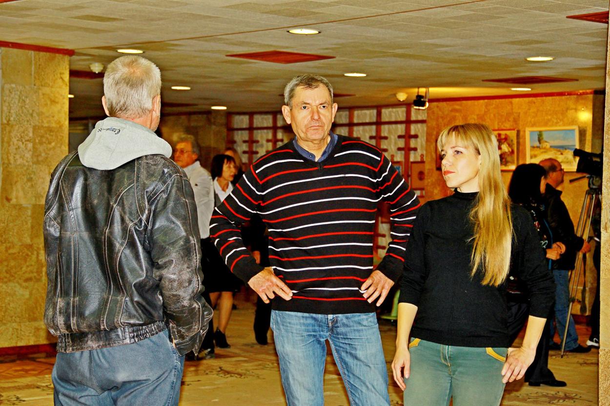 29 октября художники Геническа ездили с фотовыставкой в Херсон