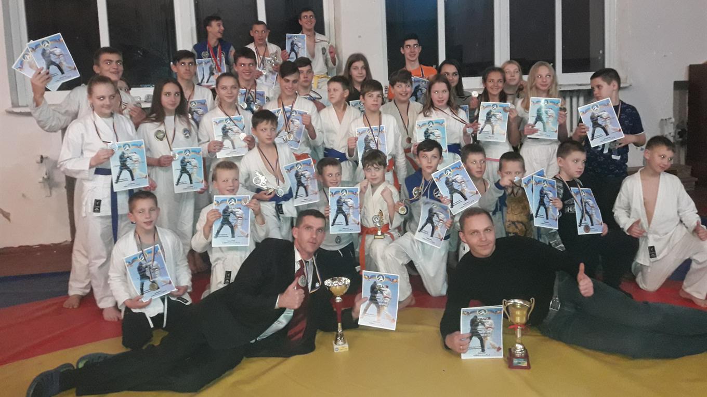 Генические рукопашники завоевали несколько десятков медалей на чемпионате в Херсоне