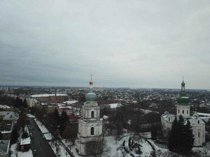 За офіційними описами висота собору – 48 метрів