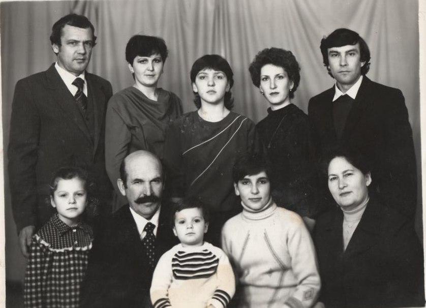 """Так выглядела семья Колесниченко """"тогда"""""""