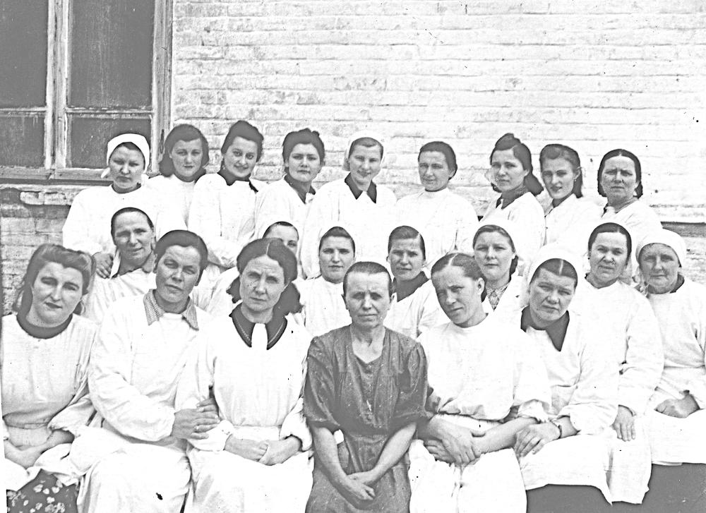 Фото напамять смедработниками родной Генической больницы