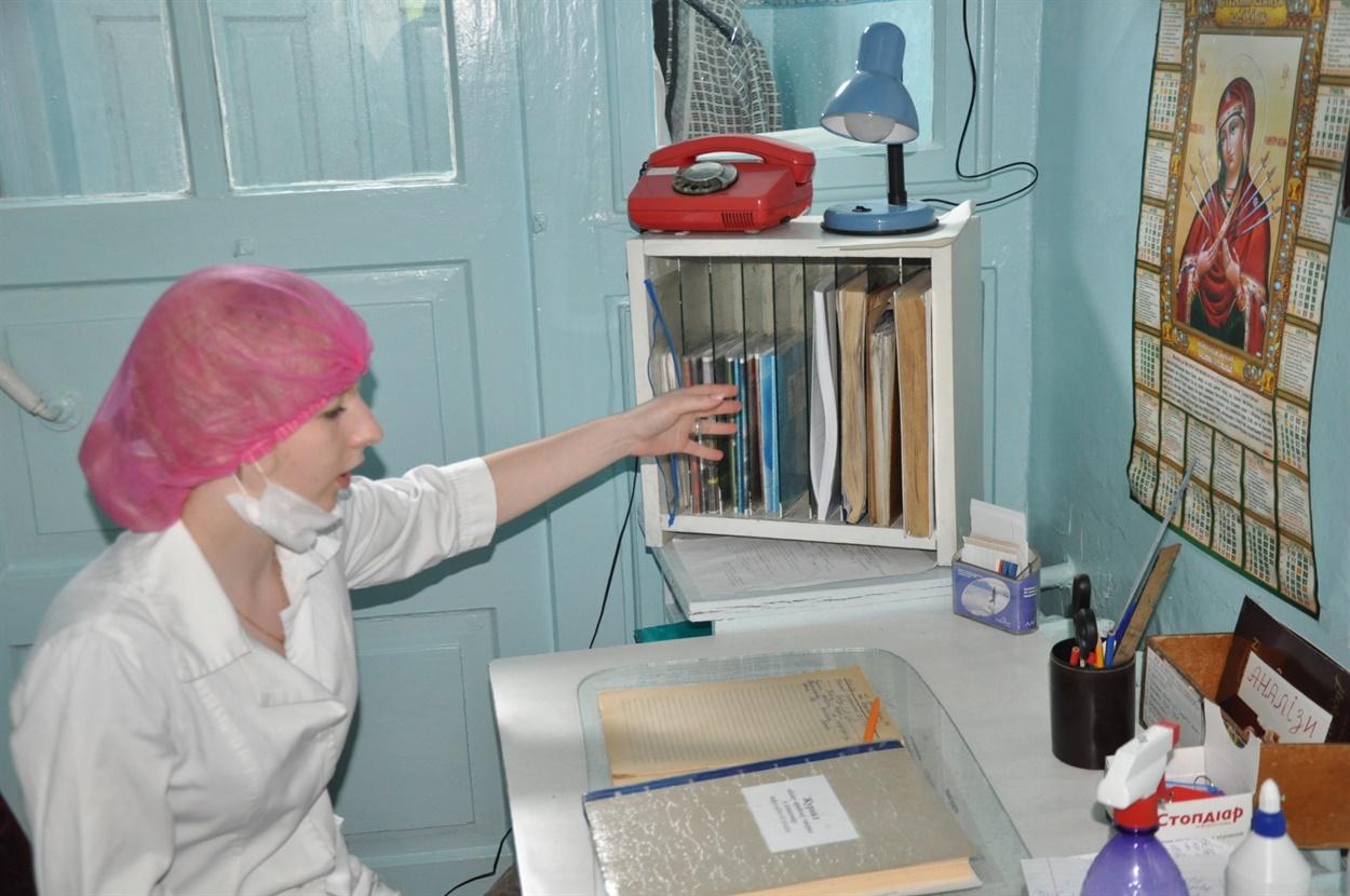 Таня Мандрицька,маніпуляційна медсестра