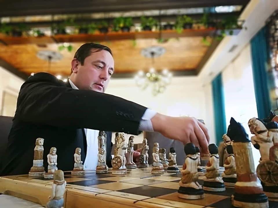 Не поспішати, обміркувати всі варіанти, не робити марних ходів. Золоті правила Віталія Богданова